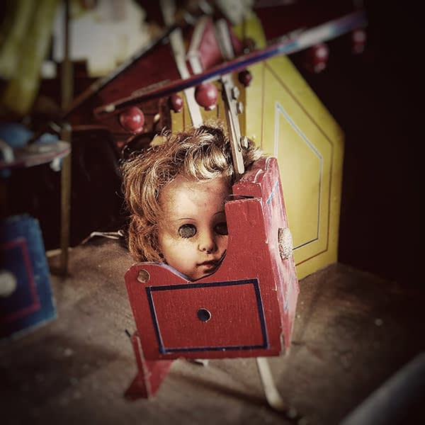 iphone 4s, instagram, williamsburg, scary doll